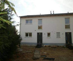 Doppelhaus mit Kunststofffenster KF410