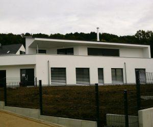 Einfamielenhaus mit Retroluxbeschattung und Topic Haust�re NM