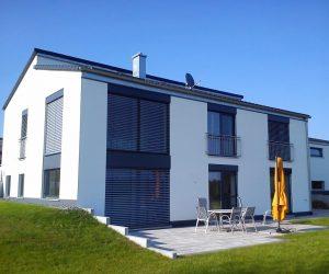 Einfamilienhaus Holz-Alu und Raffstore